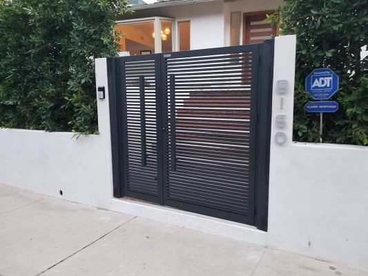 Hi-tech aluminum entry gate