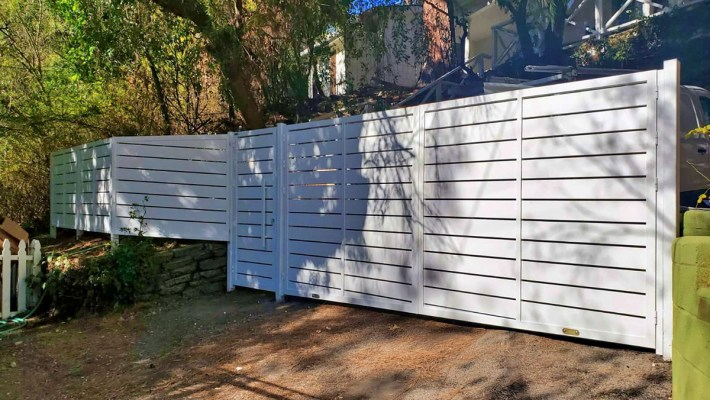 White Specialty aluminum driveway gate