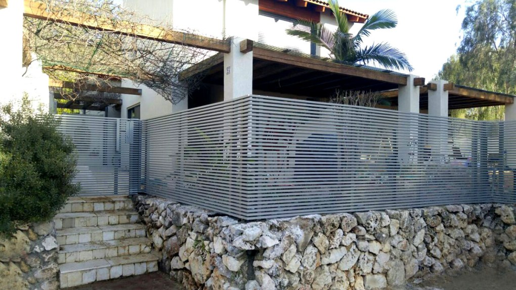 Buying a Home Security Gate or Fence