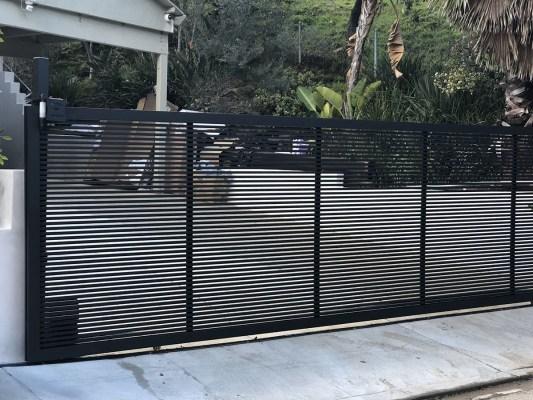 Hi-Tech aluminum driveway gate