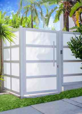 Glass made from white laminated glass and aluminum