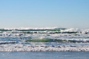 تفسير حلم امواج البحر المرتفعه للعزباء موقع ملخص