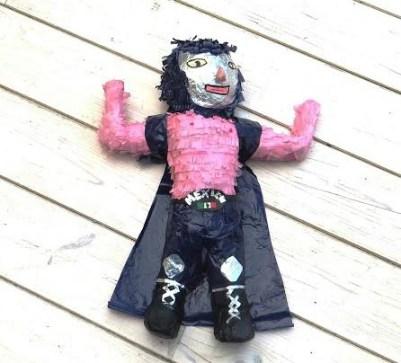 Luchador piñata