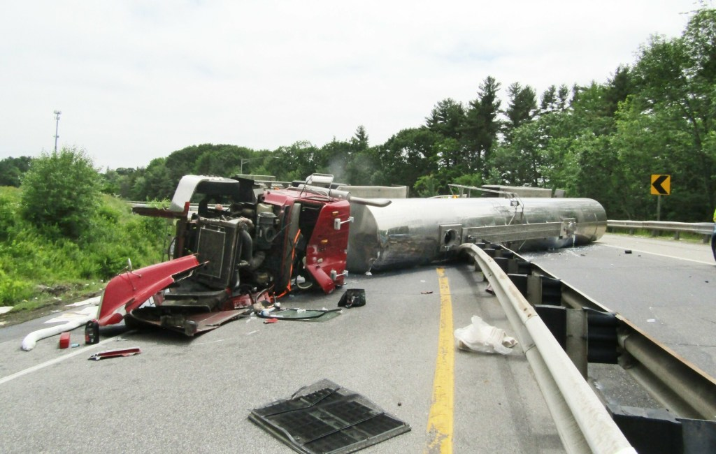 Truck crashes, spills 3,000 gallons of milk on I-95 in Falmouth