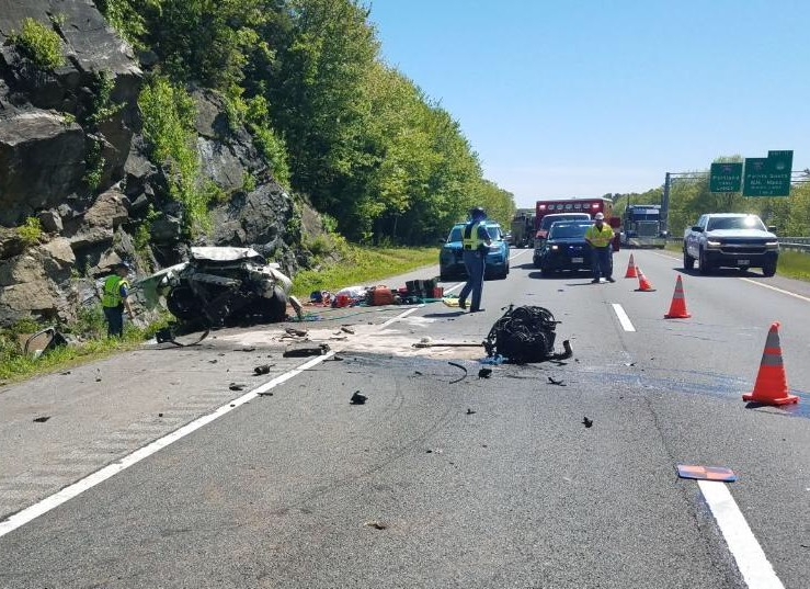 Woman killed, 2 men seriously hurt in crash that ties up I-295 in