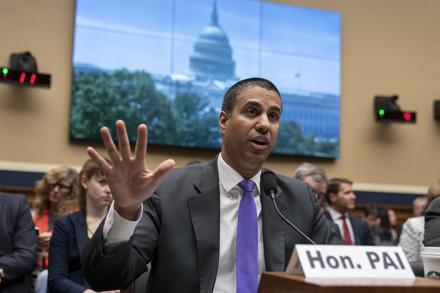 FCC Votes to Give Carriers New Powers to Block 'Robocalls'