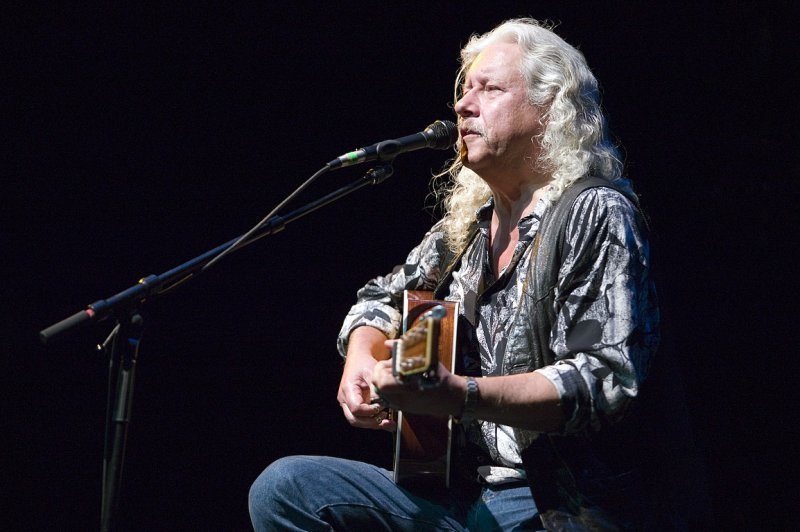 Illegal trash dumper leaves nod to Arlo Guthrie's 'Alice's Restaurant' | Lewiston Sun Journal