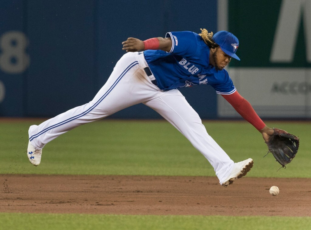 Vladimir Guerrero left the Blue Jays game against the Mariners on Saturday with a sore left knee.