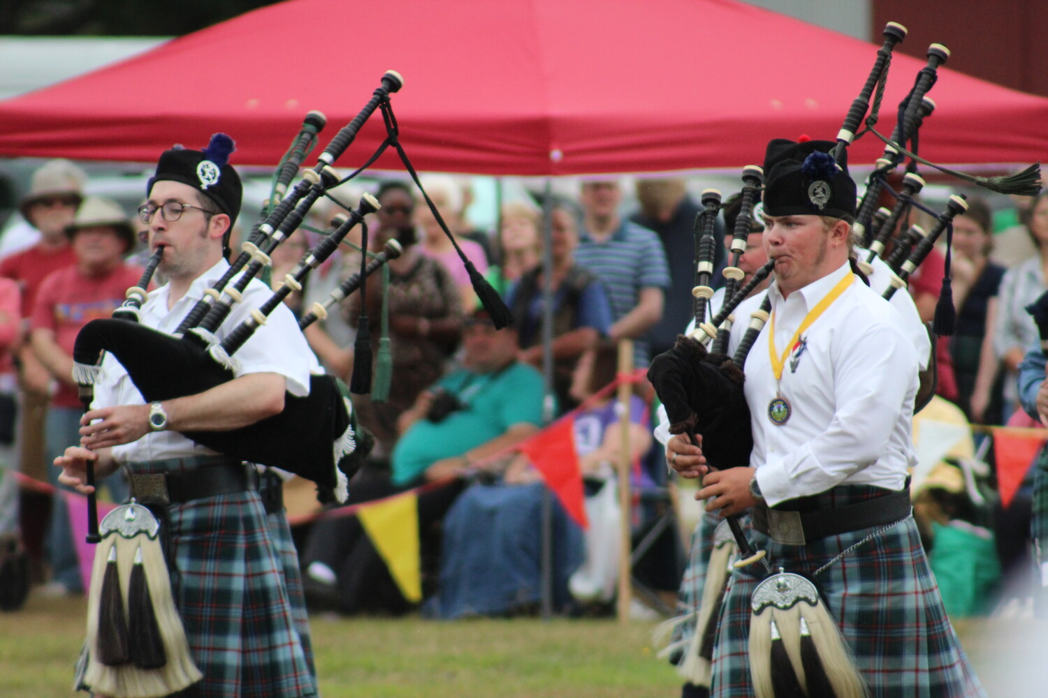 Clans keep traditions alive at annual Scottish Festival and Highland Games in Topsham - CentralMaine.com