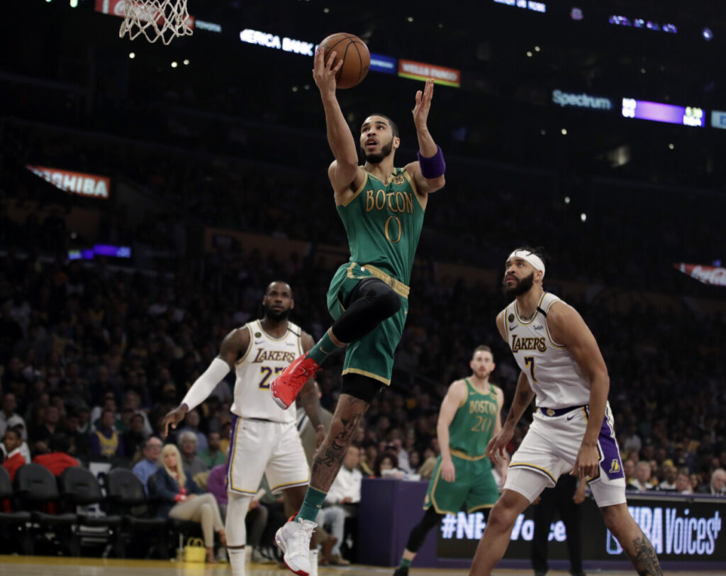 LeBron's clutch jumper sends Lakers past Celtics 114-112
