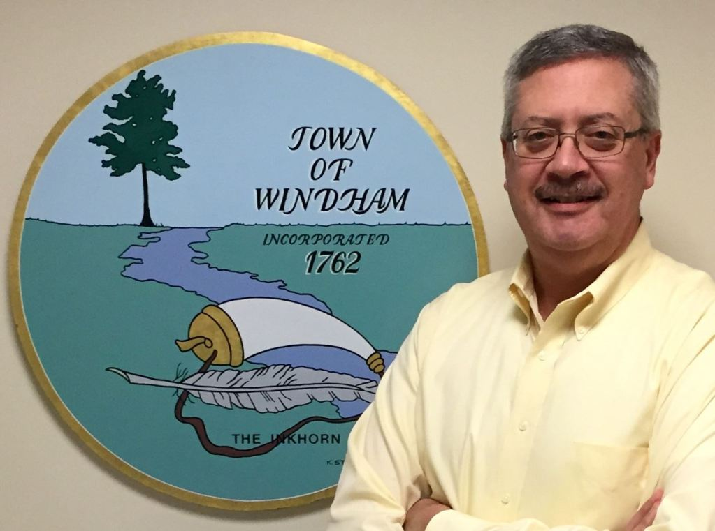 Tony Plante is leaving his job as Windham town manager after reaching agreement on a severance package.