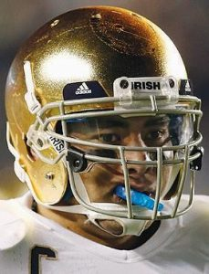 Manti Te'o • LB Notre Dame, Sr. Trying to become the first defense-only player to win the Heisman. Winner of the Lombardi Award as college football's best lineman or linebacker. Leads undefeated Irish against No. 2 Alabama in the BCS championship game. TACKLES INT 103 7