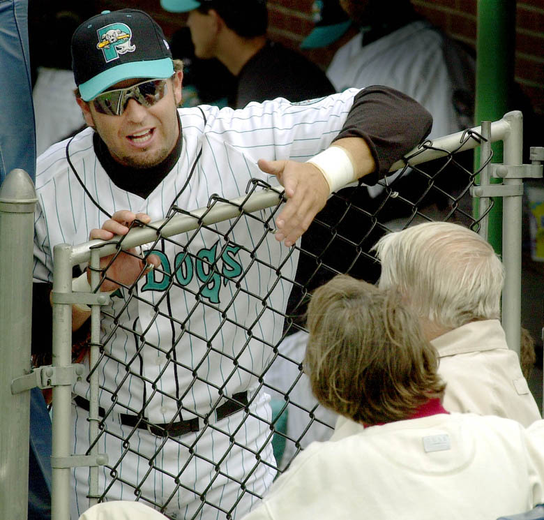 Staff Photo by Herb Swanson, Sun, May 26, 2002: Kevin Millar (L) talks with Dan Burke and his wife Bunny before the start of Sunday's game against the Reading Phillies at Hadlock Field in Portland. Herb Swanson Kevin Millar sea dogs dan burke reading phillies baseball