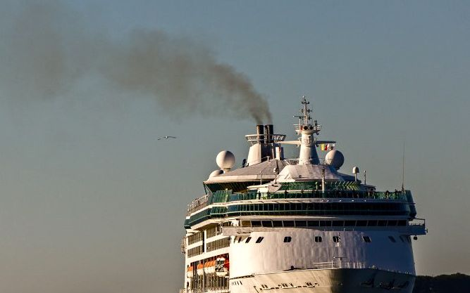 How do cruise ships stack up in environmental impact