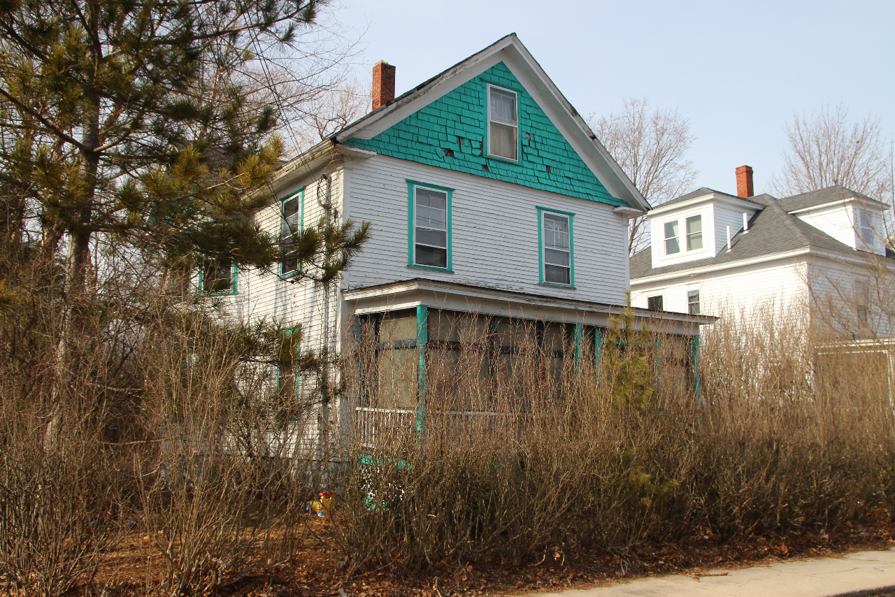 The Sanford city council on Tuesday will decide if 9 Kirk St is a dangerous building under Maine law, another step in the process of cleaning up the property. TAMMY WELLS/Journal Tribune