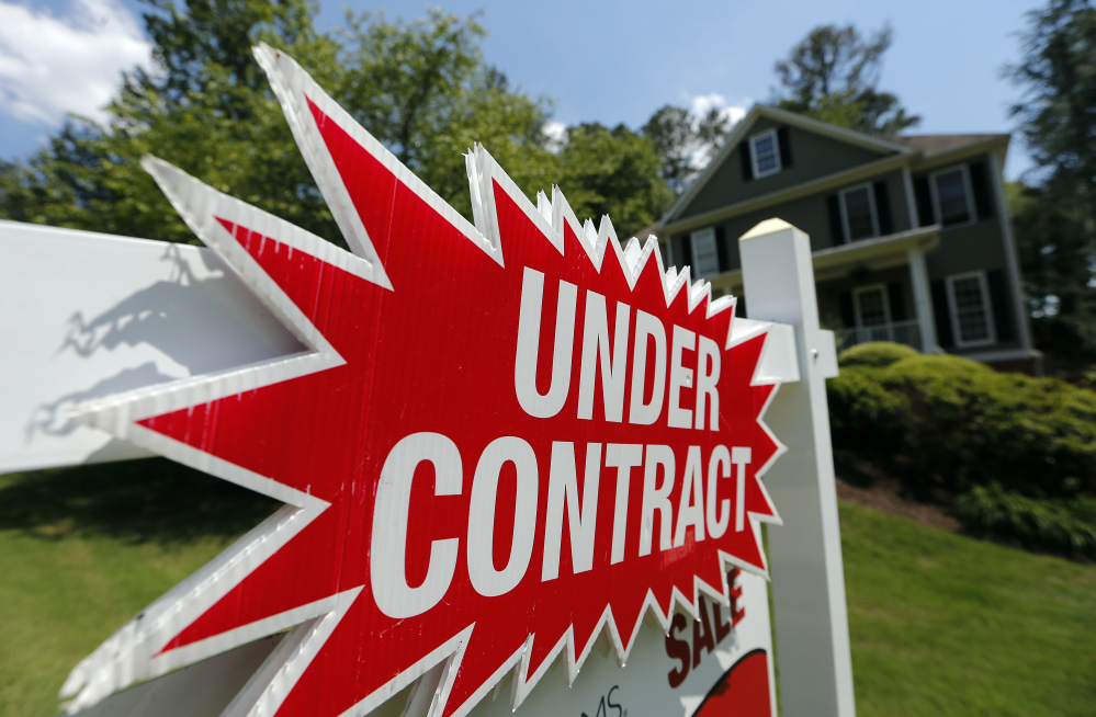 U.S. mortgage rates sank to their lowest levels of the year this week, according to the latest data released Thursday by Freddie Mac. However, they still remain well above where they were six months ago.