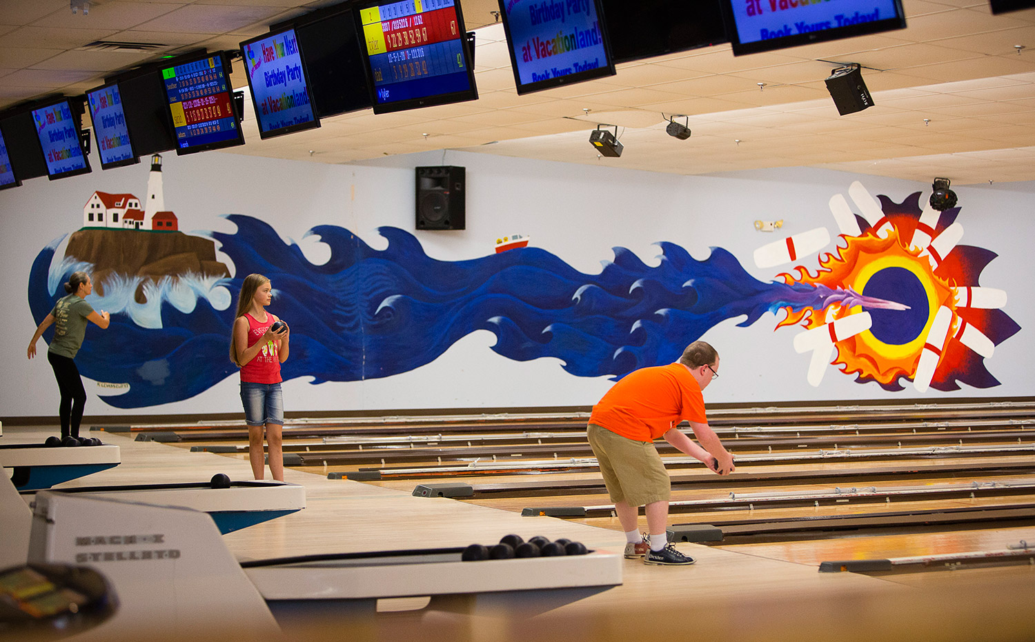 Well-known candlepin bowling alley to close after 34 years