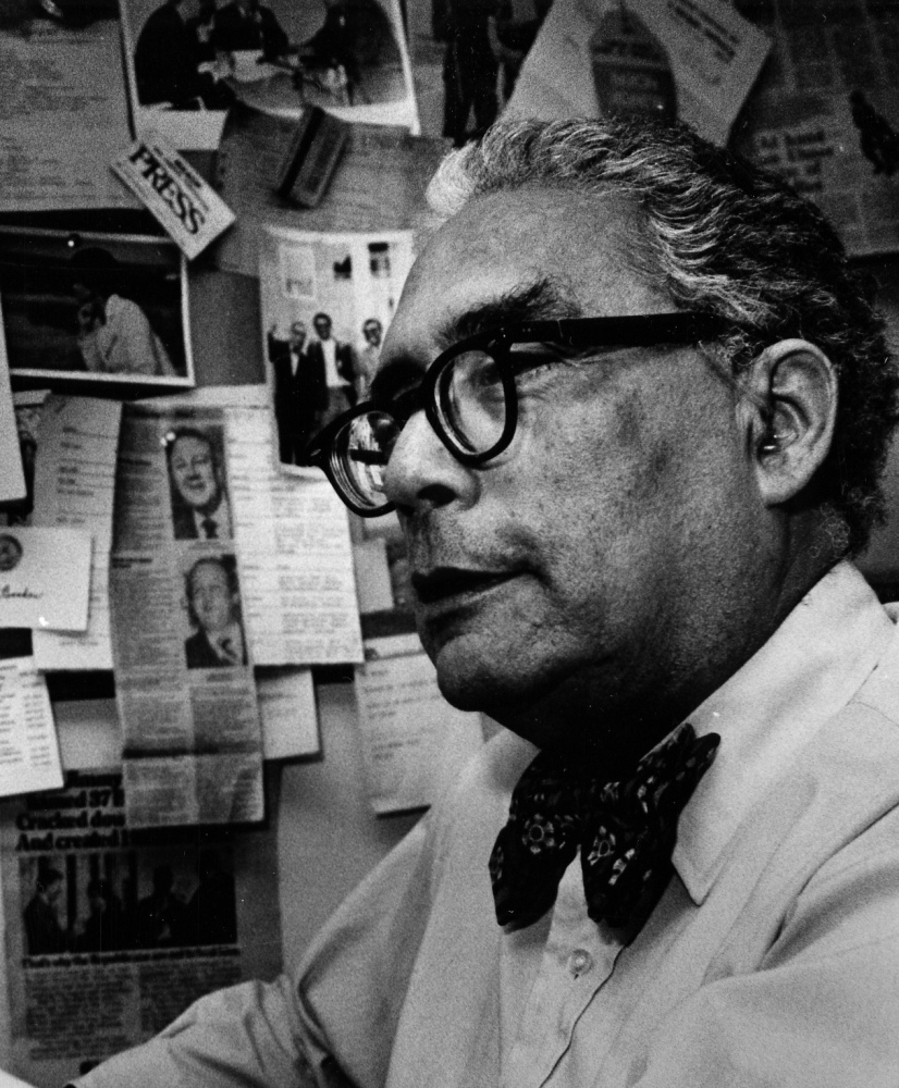 For decades, Simeon Booker used his journalism to advance the cause of African-Americans.
