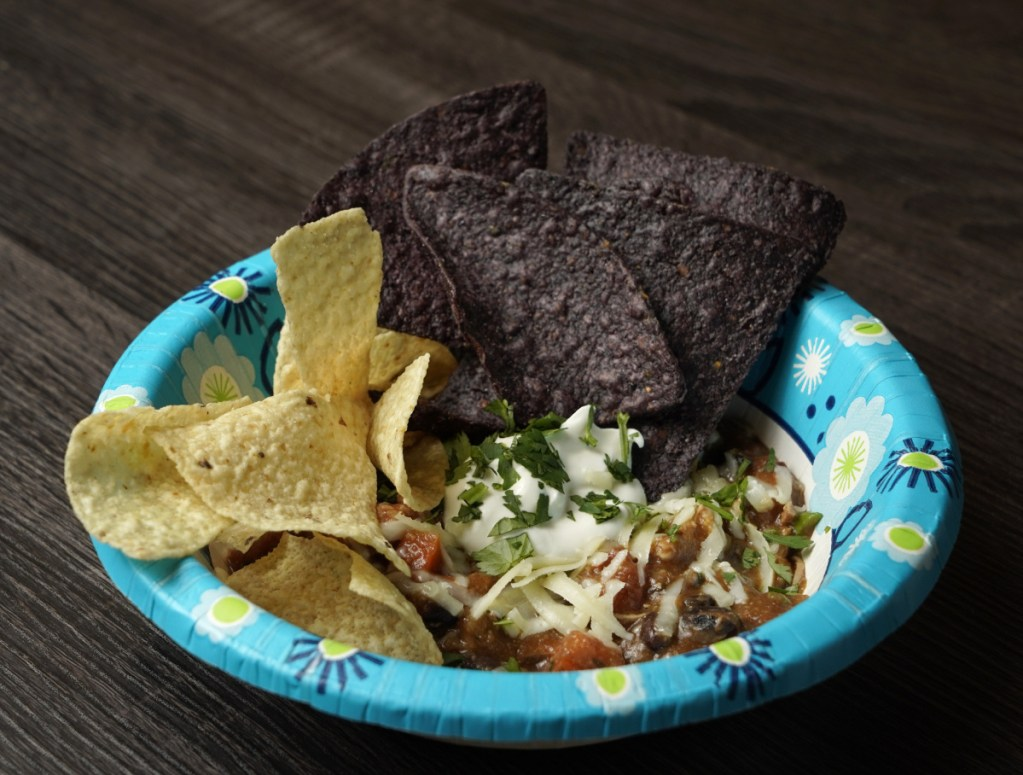 Chipotle chicken and black bean dip