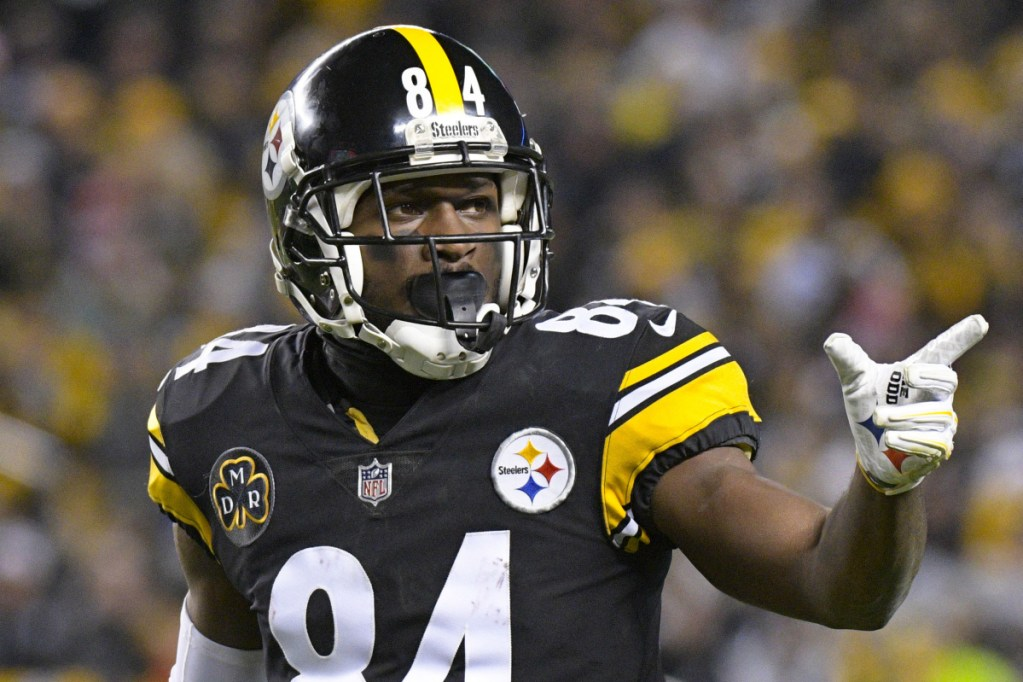 Pittsburgh wide receiver Antonio Brown has apparently asked for a trade from the Steelers after apparently having issues with Coach Mike Tomlin and quarterback Ben Roethlisberger.