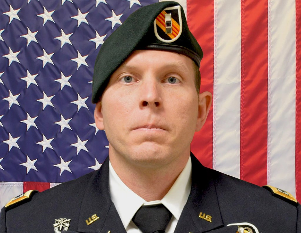 Army Chief Warrant Officer 2 Jonathan R. Farmer, 37, of Boynton Beach, Fla., was killed in the northern Syrian town of Manbij on Wednesday. He was a graduate of Bowdoin College in Brunswick.
