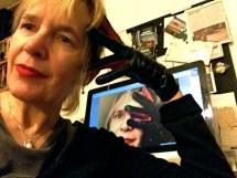 Selfies Win Narcissist Wars Multiglom