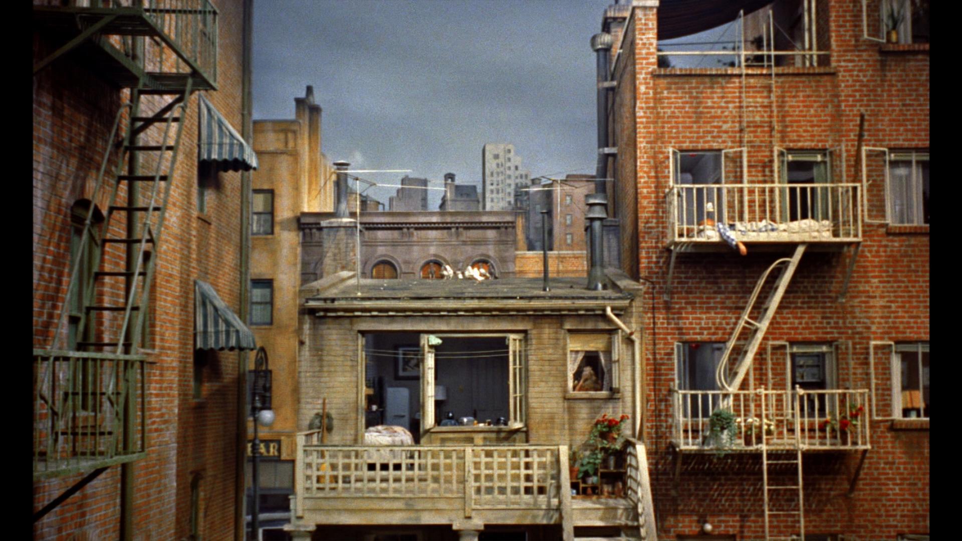 rear_window_apartment_view  MULTIGLOM
