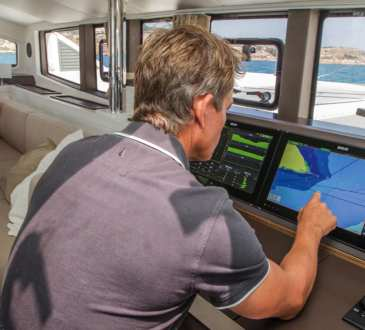 Zeus3 Glass Helm Multihulls Magazine