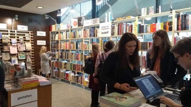 Warszawskie Targi Książki 2018 stoisko Bookoff