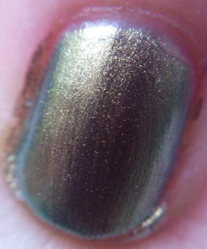 Maybelline Gold Emeralds close-up