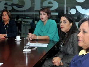Belén Pou, presidenta de Ainep; Marcel Irizarri, vocal; Luisa Muñiz, directora ejecutiva, y Alina Matos, secretaria.