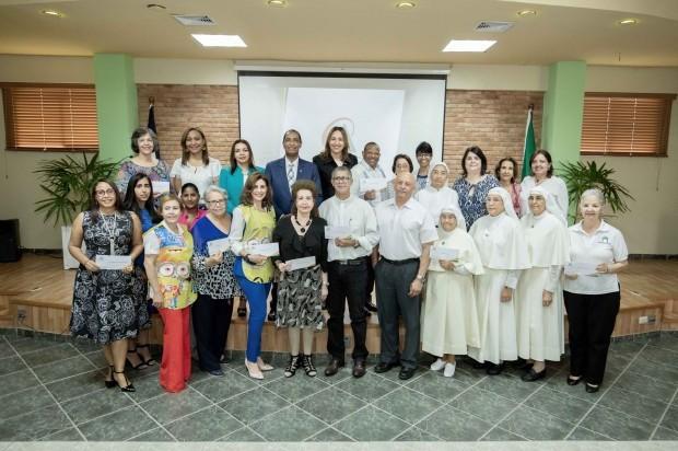 » Cooperativa La Altagracia entrega donaciones a instituciones sin fines de lucro