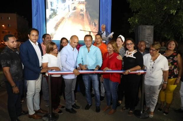 » Alcalde Abel Martínez inaugura sistema integrado monitoreo de cámaras en Jardines del Yaque