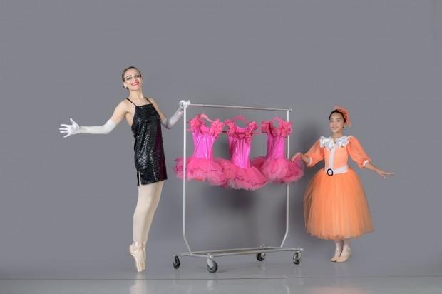 """Ballet Clásico Santiago presenta """"El ballet y el traje"""""""