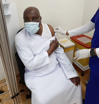 Atiku receives Pfizer COVID-19 vaccine within the UAE
