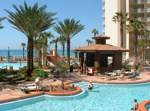 1-panama-beach-pool-resort2