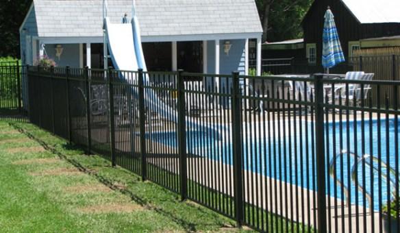 Aluminum-Fence-Slider1