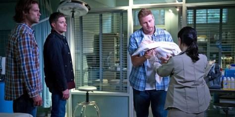 Jared-Padalecki-and-Jensen-Ackles-in-Supernatural-Season-11-Episode-1