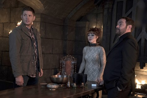 Supernatural-season-11-episode-10-Dean-Rowena-and-Crowley