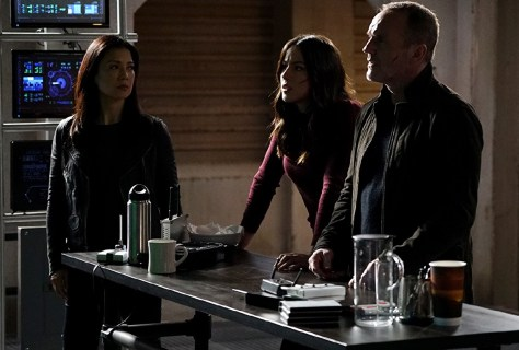 Agents of S.H.I.E.L.D., The Real Deal 02