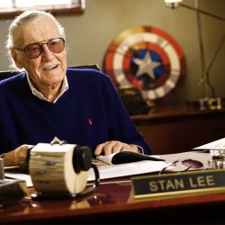 Stan-Lee-desk