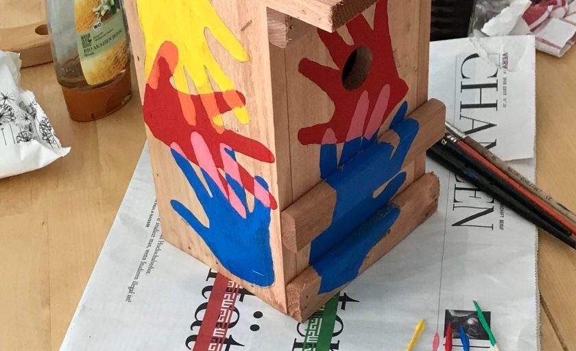 """DIY Idee zum Kindergarten oder Kita Abschied: Vogelhaus """"Wir sind ausgeflogen!"""""""