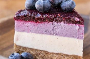 Vegan No-Bake Layered Blueberry Cheesecake