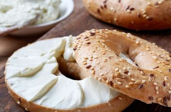 Ninja Foodi Grill Bagel With Creamcheese