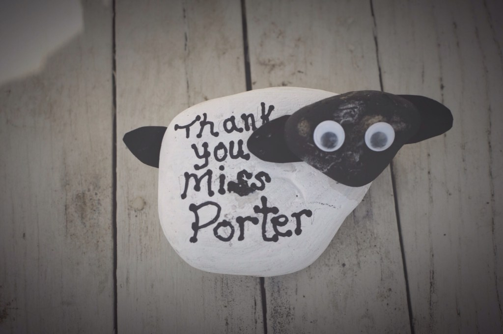 Pebble painting ideas – A Sheep Paper weight