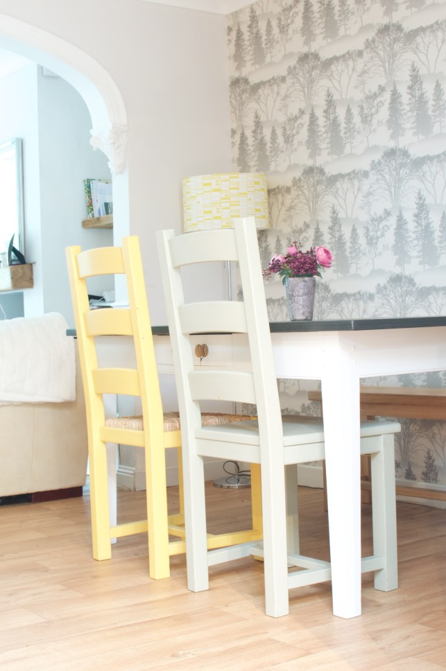 Decorating a dining room in grey and yellow