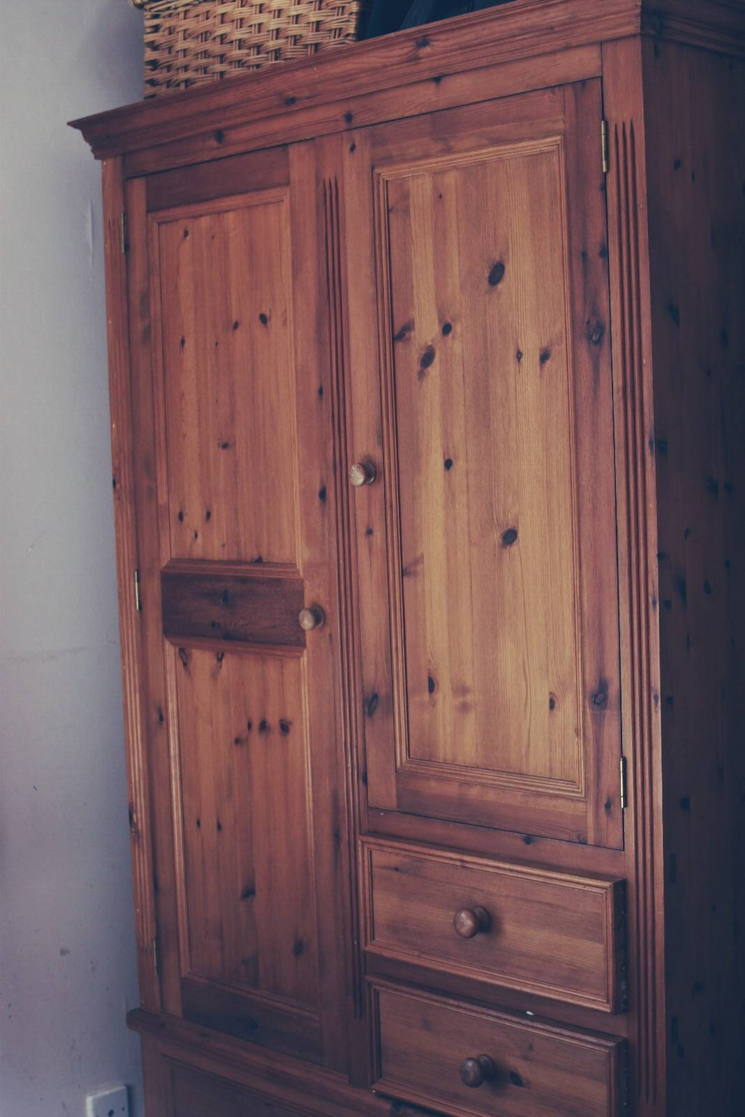 up cycling a pine wardrobe using chalk paint