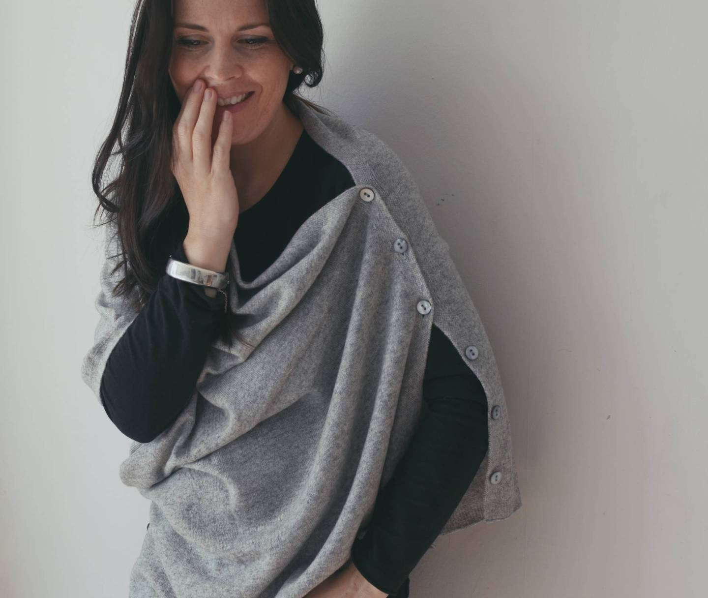 falling back in love with stunning cashmere from Wool lovers with this grey poncho