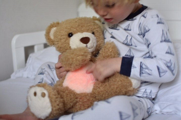 reviewing the sleep tight all night bear to helpmeet toddler settle more quickly at bed time and improve our bedtime routine