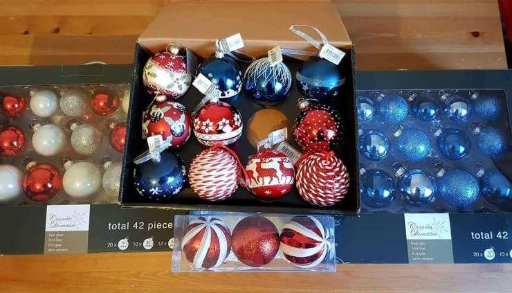 christmas-baubels
